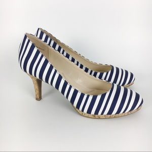 Kelly & Katie Blue & White Striped Heels SIze 9